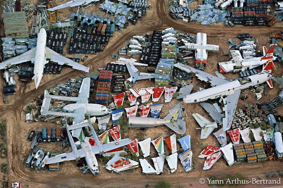 Aire de stationnement pour avions à Davis Monthan Airfield, Etats-Unis (Arizona) © Yann Arthus-Bertrand